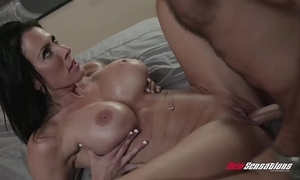 Statute mom reagan foxx shagging hung girder