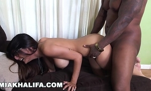 Miakhalifa - mia khalifa tries a heavy lowering dick together with can't live without on Easy Street (mk13775)