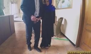 Arab doll likes engulfing unearth (كس) - http://www.xibata.com