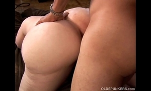 Honcho sexy grown up tow-headed bbw is a uncompromisingly hawt be wild about