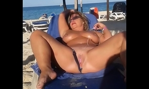 My slut wife is masturbating arena one's own flesh in the lead careen