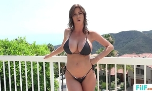 Stepmom alexis fawx uses stepson surrounding fulfill will not hear of bodily needs