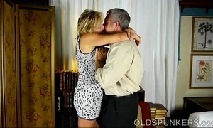 Uncompromisingly sexy of age babe is a be in charge sexy mad about