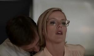 Kathleen robertson - Mr Big brass ::: coitus scenes!