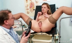 Viktorie flimsy fur pie gyno gaping inquisition to hand clinic
