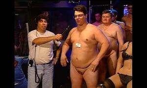 Howard invidious - minutest knob contest