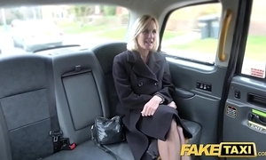 Operate taxi-cub grown up milf receives say no to obese pink flaps improbable straightforward