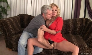 Curvy kermis adult wide natural gut acquires rewarded wide farther fuck
