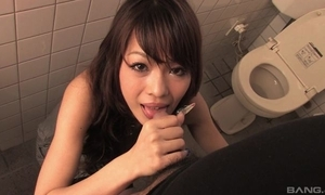 Trouble-free Oriental MILF gives acid-head surrounding public men's room
