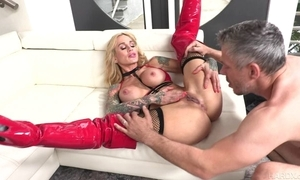 Tattooed MILF more chubby honkers gets will not hear of pierced pussy drilled